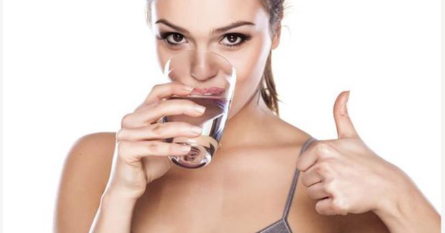 uống nước 2